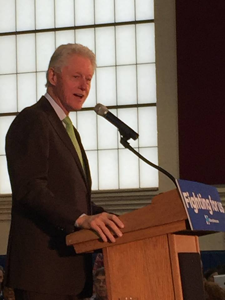 President Clinton Arrives at SRS to promote Grand Opening of the Hoops Renaissance Courts